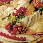 Vegyes sajttál sajttekerccsel