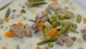 Tárkonyos, tejszínes pulykaraguleves – tárkonyos, tejszínes halleves – készült az OnLive© főzőiskola 40. adásában