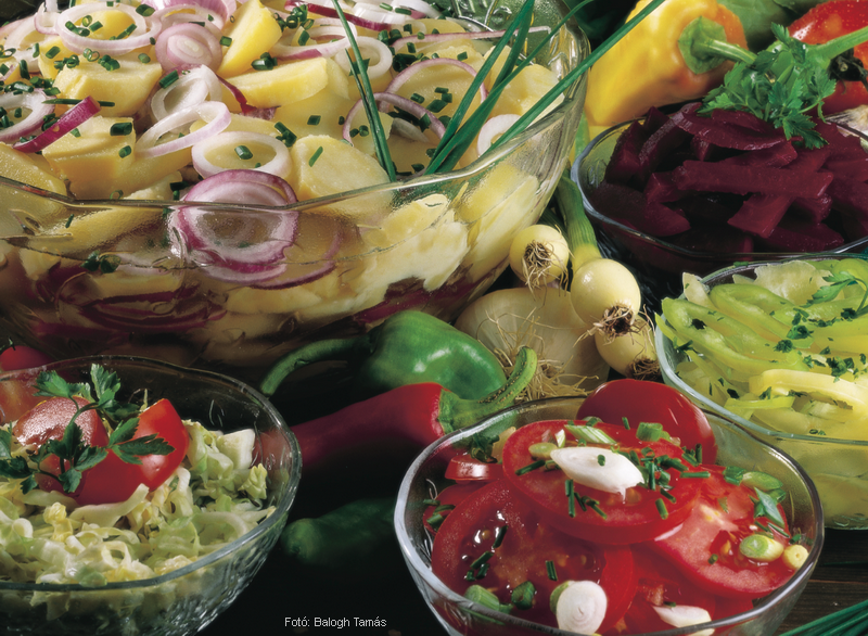 Magyaros ecetes salátaöntet (hideg)